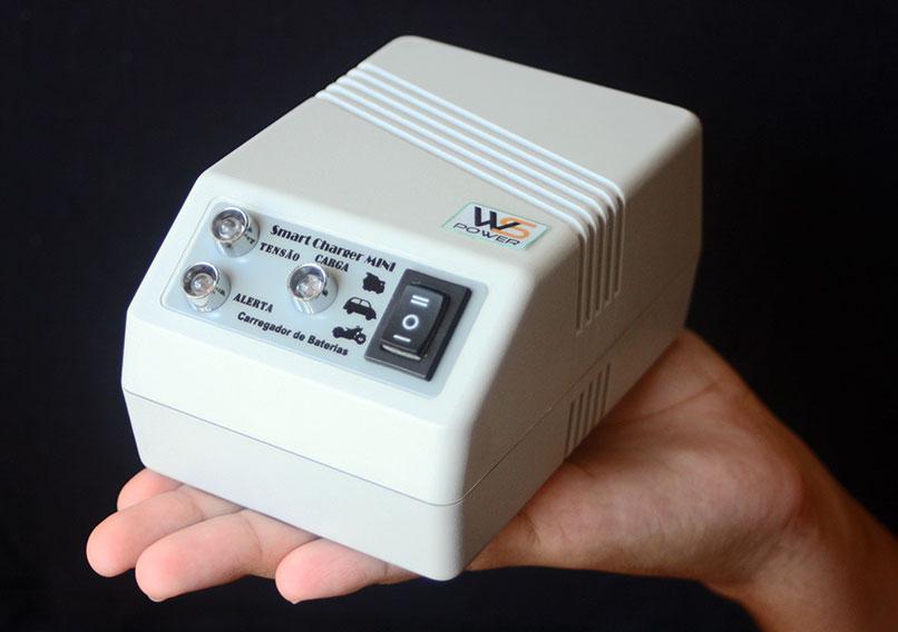 Carregador de bateria Ultra Compacto